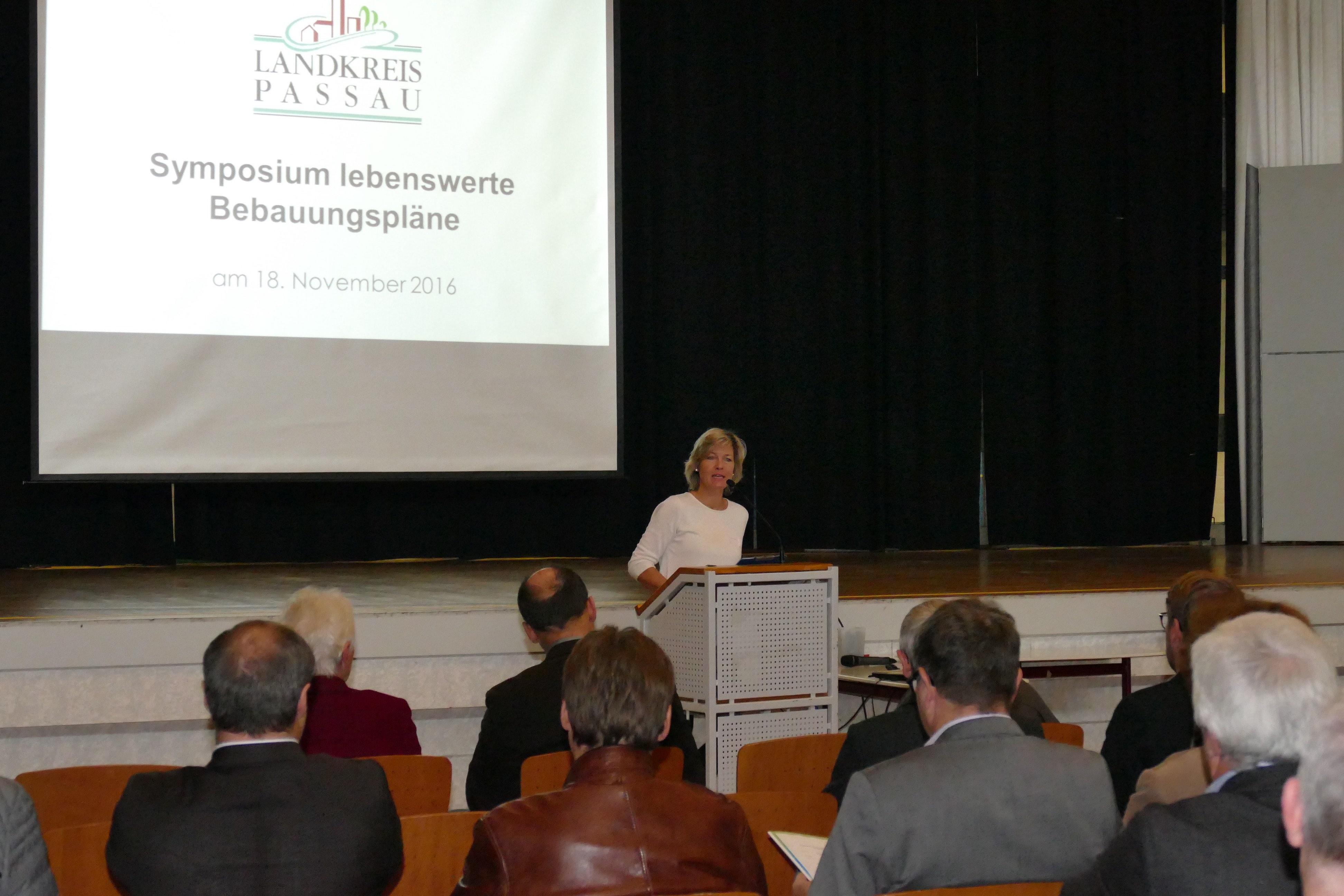 symposium_uschi